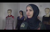 أول مصممة أزياء في غزة تحلم بالعالمية