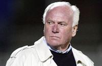 وفاة لاتيك مدرب برشلونة السابق عن 80 عاما