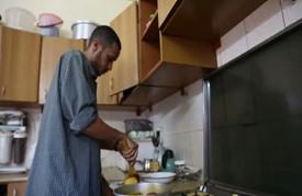 صيدلي سوداني يعد كتاب طبخ للتعريف بالمطبخ السوداني