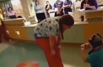طفل في الخامسة من العمر يعرض على ممرضته الزواج (شاهد)