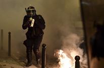 مظاهرات باريس تتواصل إثر اغتصاب شرطي لأسود بعصا (فيديو)