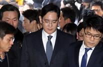 استجواب رئيس شركة سامسونغ بعد أن أمضى ليلته في السجن
