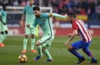 برشلونة يطيح بأتلتيكو مدريد ويرتقي لصدارة الليغا (فيديو)