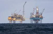 النفط يتجاهل زيادة المخزونات الأمريكية ويواصل الصعود