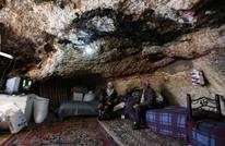 هكذا يلجأ الفلسطينيون للكهوف لمقاومة تهجير الاحتلال (صور)
