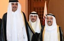 أمير الكويت يستقبل نظيره القطري لدى وصوله (شاهد)