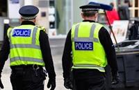 شرطة إسكتلندا تعتذر عن إيقاف مسن تحت تهديد السلاح