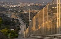 المغرب يوقف 870 مهاجرا غير شرعي قرب سبتة الإسبانية