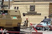 """أهالي معتقلين سياسيين بمصر يفضحون حقيقة """"سجون الفنادق"""""""