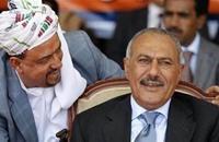 خمس قيادات بارزة تنشق عن صالح وتتجه خارج البلاد