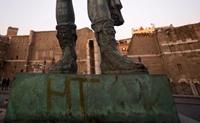 الرسوم الجدارية تهدد المعالم السياحية الإيطالية