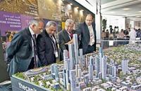 كوريي إنترناسيونال: السيسي يبني للمصريين مدنا من السراب