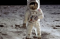 """علماء """"ناسا"""" يكتشفون فوهة بركان جديدة على سطح القمر"""