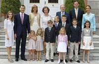 """غرامة على إسبانيين نشرا """"تهديدات ضد العائلة الملكية"""""""