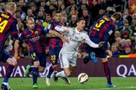 برشلونة يحسم كلاسيكو إسبانيا