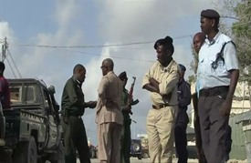 مقتل ثلاثة عناصر من الشرطة الصومالية في انفجار سيارة مفخخة
