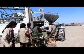 """عشرات القتلى بمعارك داخل معسكر """"الدفاع الجوي"""" بتعز"""