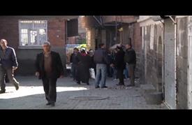 عودة أهالي سور التركية إلى منازلهم بعد انتهاء حظر التجوال
