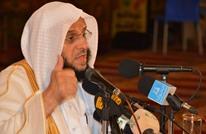 """""""القرني"""" يتغزل ببندر بن سلطان بعد مهاجمته القيادة الفلسطينية"""