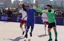 مرة أخرى.. مارادونا يستخدم يده لتسجيل هدف (شاهد)
