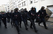 شرطة فرنسا تقتحم مسجدا بضواحي باريس وتطرد مصليه (شاهد)