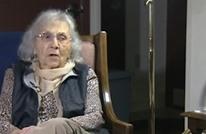 كيف أقنعت عجوز ثمانينية لصا شابا بعدم اغتصابها؟ (فيديو)