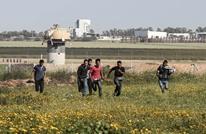 قلق إسرائيلي بعد تجاوز شبان فلسطينيين الخط العازل بغزة