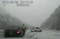 حادث دهس مرعب لشرطي أمريكي وسط عاصفة ثلجية (شاهد)