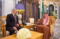 لوموند: المحور السعودي يتجند لدعم قوات حفتر في ليبيا