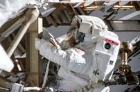 ناسا تلغي مهمة نسائية إلى الفضاء وتدافع عن قرارها