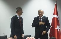 تصرف لافت لأردوغان مع ستولتنبرغ بسبب كورونا ببروكسل (شاهد)
