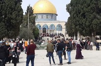 الآلاف يؤدون صلاة الجمعة بالأقصى عقب مواجهات مع الاحتلال