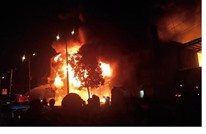 """""""الحوثي"""" تعترف بتورط عناصرها بحريق قتل 45 مهاجرا"""