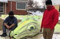 عائلة أمريكية تتفرغ 10 ساعات لتصنع ثعبانا من الثلج (شاهد)