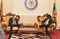 """البرهان ورئيس """"الشعبية"""" يوقعان اتفاقا لبدء المفاوضات (شاهد)"""