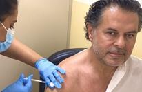 """راغب علامة يتلقى اللقاح بعد أن وصف كورونا بـ""""المؤامرة"""""""