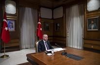 """سلاطين عثمانيون في لقاء أردوغان بماكرون.. ذكّره بـ""""القانوني"""""""
