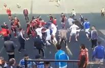"""مباراة كرة قدم بسوريا تتحول إلى """"نزال عنيف للمصارعة"""" (شاهد)"""