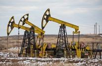 أسعار النفط تهوي 5 بالمئة مع زيادة الإنتاج وتجدد الإغلاقات