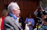 الكاتب غارسيا ماركيز يخرج من المستشفى (فيديو)