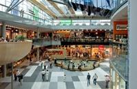 الأسواق الكبرى تشوه ثقافة المستهلك العربي