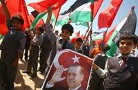 غزة.. مسيرة ابتهاجا بفوز حزب أردوغان بالانتخابات البلدية