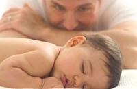 الرجال أيضا عرضة لاكتئاب ما بعد الولادة
