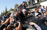 إيران تخفض دعم البنزين في اختبار لشعبيّة روحاني