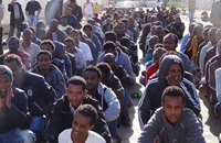 قطر تساهم بـ20 مليون دولار لإجلاء المهاجرين الأفارقة بليبيا