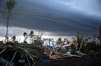 """""""نورما"""" تتحول إلى إعصار وتقترب من سواحل المكسيك"""