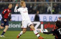 اي سي ميلان يهزم جنوى بهدفين في الدوري الإيطالي