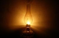 مصر تعود إلى لمبة الكيروسين لمواجهة انقطاع الكهرباء