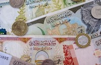 النظام السوري يحاول الحد من الاستيراد لإنقاذ عملته