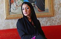 فنانة إماراتية تؤمن على شعرها بـ3 ملايين دولار